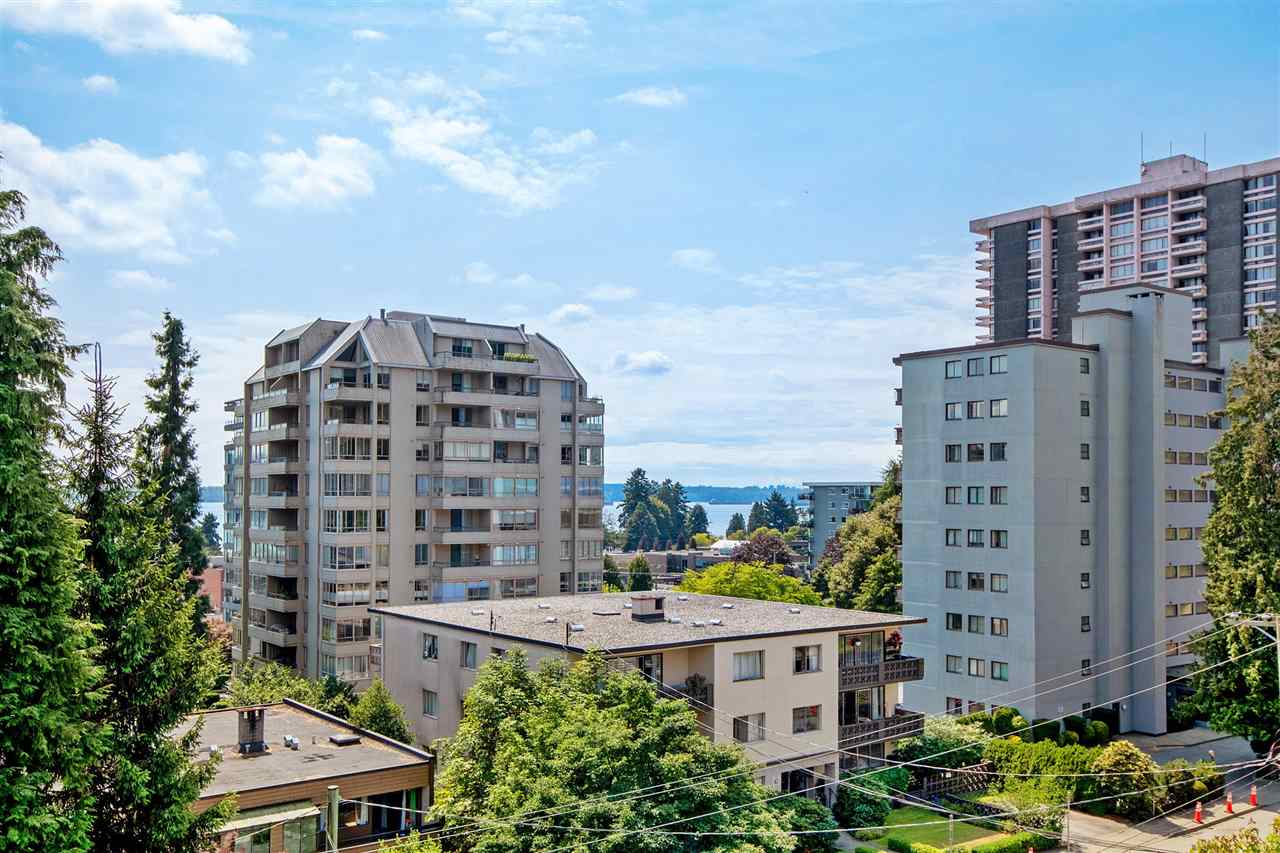 403 1425 ESQUIMALT AVENUE - Ambleside Apartment/Condo for sale, 2 Bedrooms (R2493961) - #1