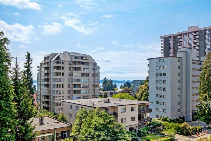 403 1425 ESQUIMALT AVENUE - Ambleside Apartment/Condo for sale, 2 Bedrooms (R2493961)