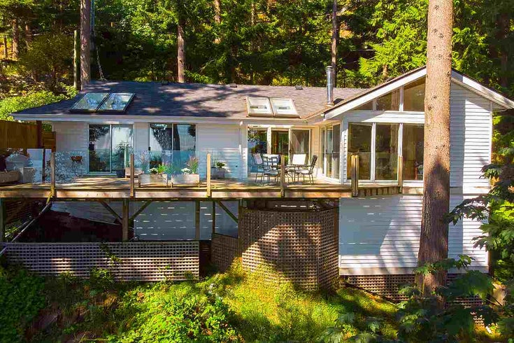 1477 EAGLECLIFF ROAD - Bowen Island House/Single Family for sale, 2 Bedrooms (R2494751)