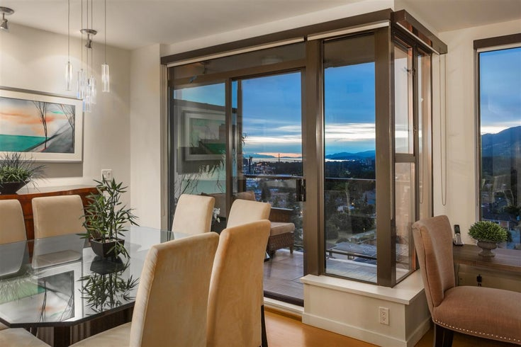 PH7 683 W VICTORIA PARK - Lower Lonsdale Apartment/Condo for sale, 2 Bedrooms (R2494956)