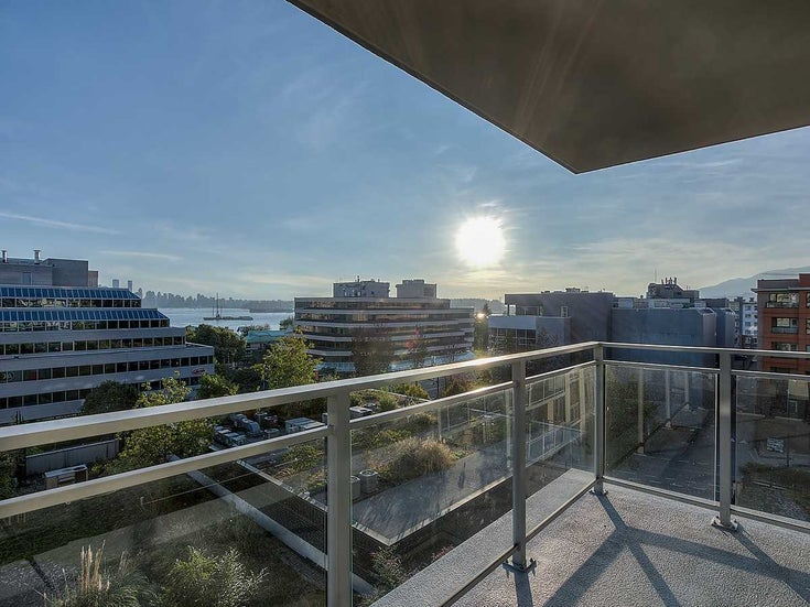 512 175 W 1ST STREET - Lower Lonsdale Apartment/Condo for sale, 2 Bedrooms (R2495506)
