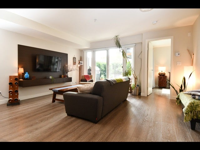 208 1588 E HASTINGS STREET - Hastings Apartment/Condo for sale, 1 Bedroom (R2495592)