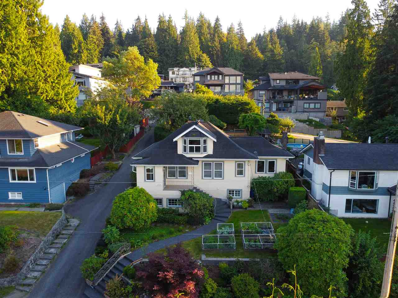 2321 ST GEORGE STREET - Port Moody Centre House/Single Family for sale, 4 Bedrooms (R2497458) - #2