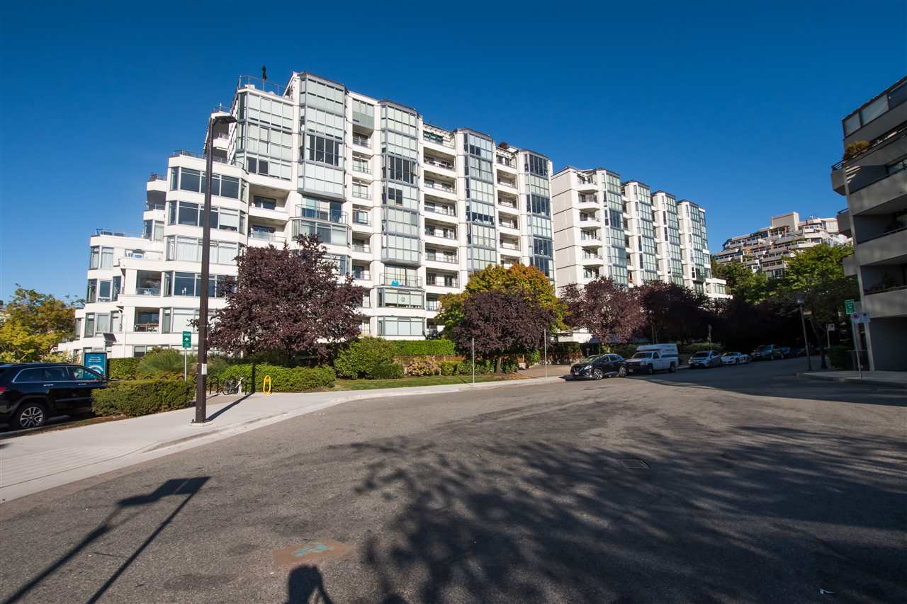 407 456 MOBERLY ROAD - False Creek Apartment/Condo for sale, 1 Bedroom (R2497595) - #1