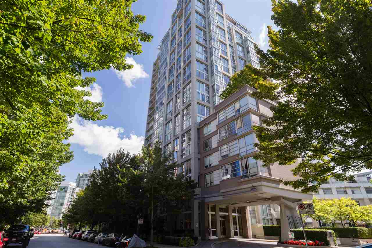 605 1228 MARINASIDE CRESCENT - Yaletown Apartment/Condo for sale, 2 Bedrooms (R2497776) - #1