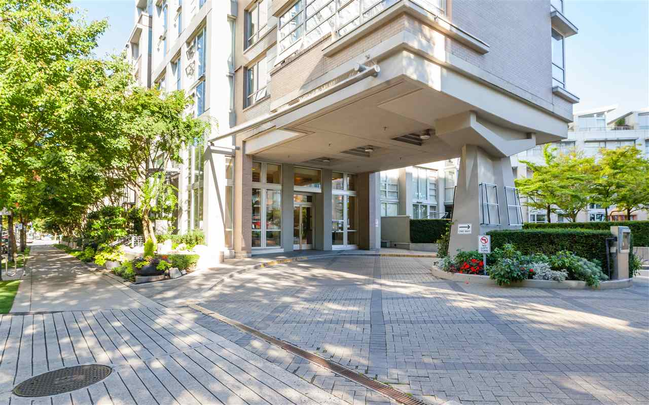 605 1228 MARINASIDE CRESCENT - Yaletown Apartment/Condo for sale, 2 Bedrooms (R2497776) - #2