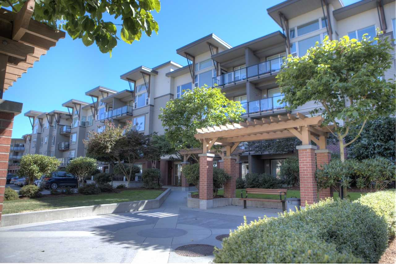 207 33539 HOLLAND AVENUE - Central Abbotsford Apartment/Condo for sale, 2 Bedrooms (R2497878) - #1