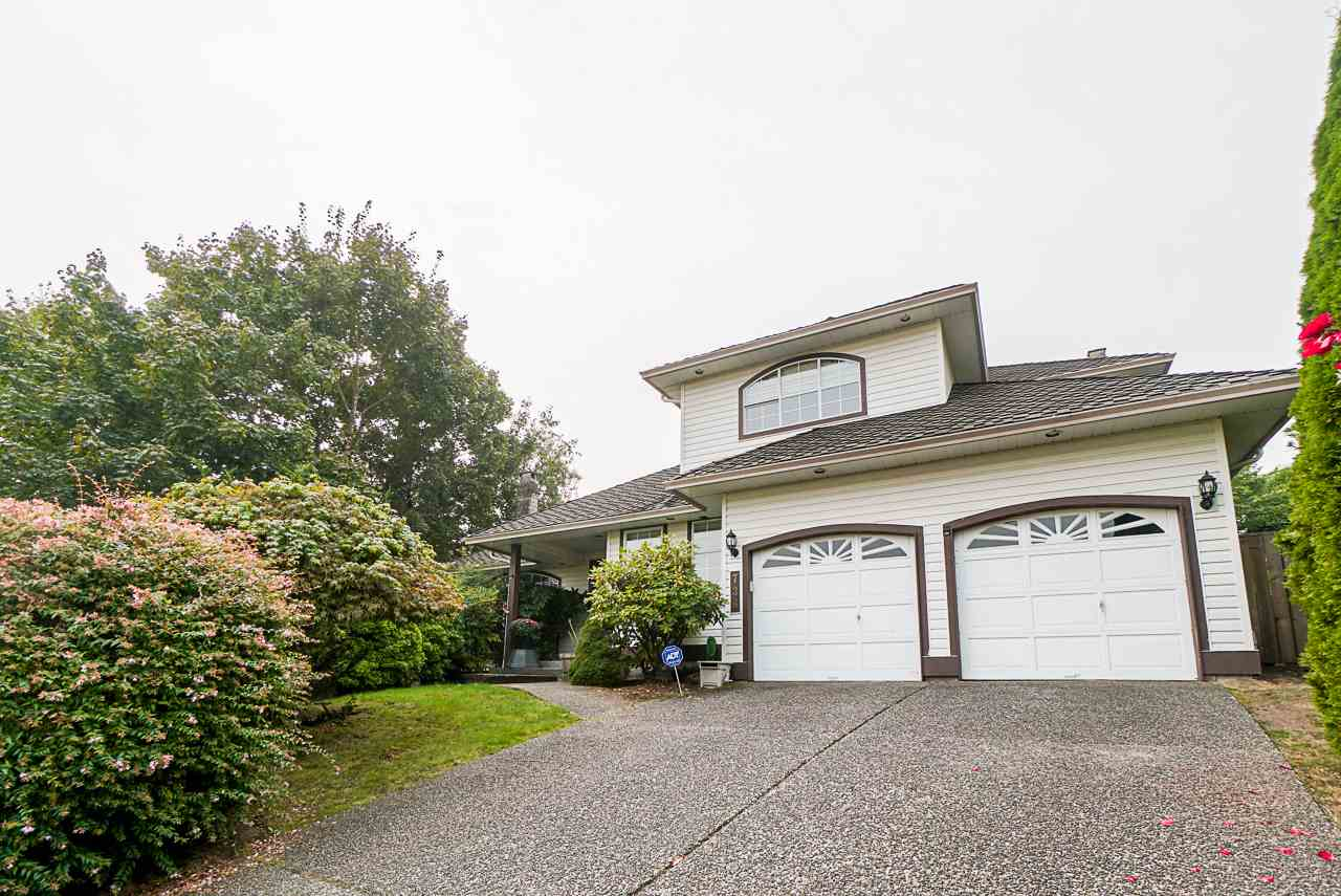 736 CLEARWATER WAY - Coquitlam East House/Single Family for sale, 5 Bedrooms (R2498179) - #1