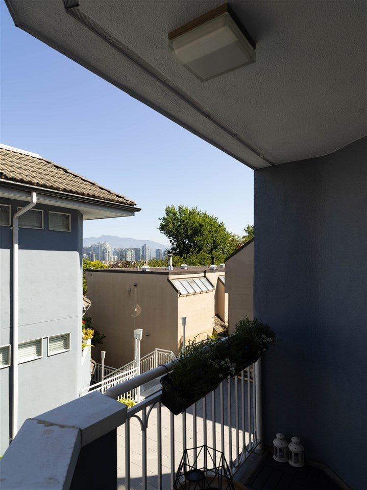 4 1234 W 7TH AVENUE - Fairview VW Townhouse for sale, 2 Bedrooms (R2498573) - #22