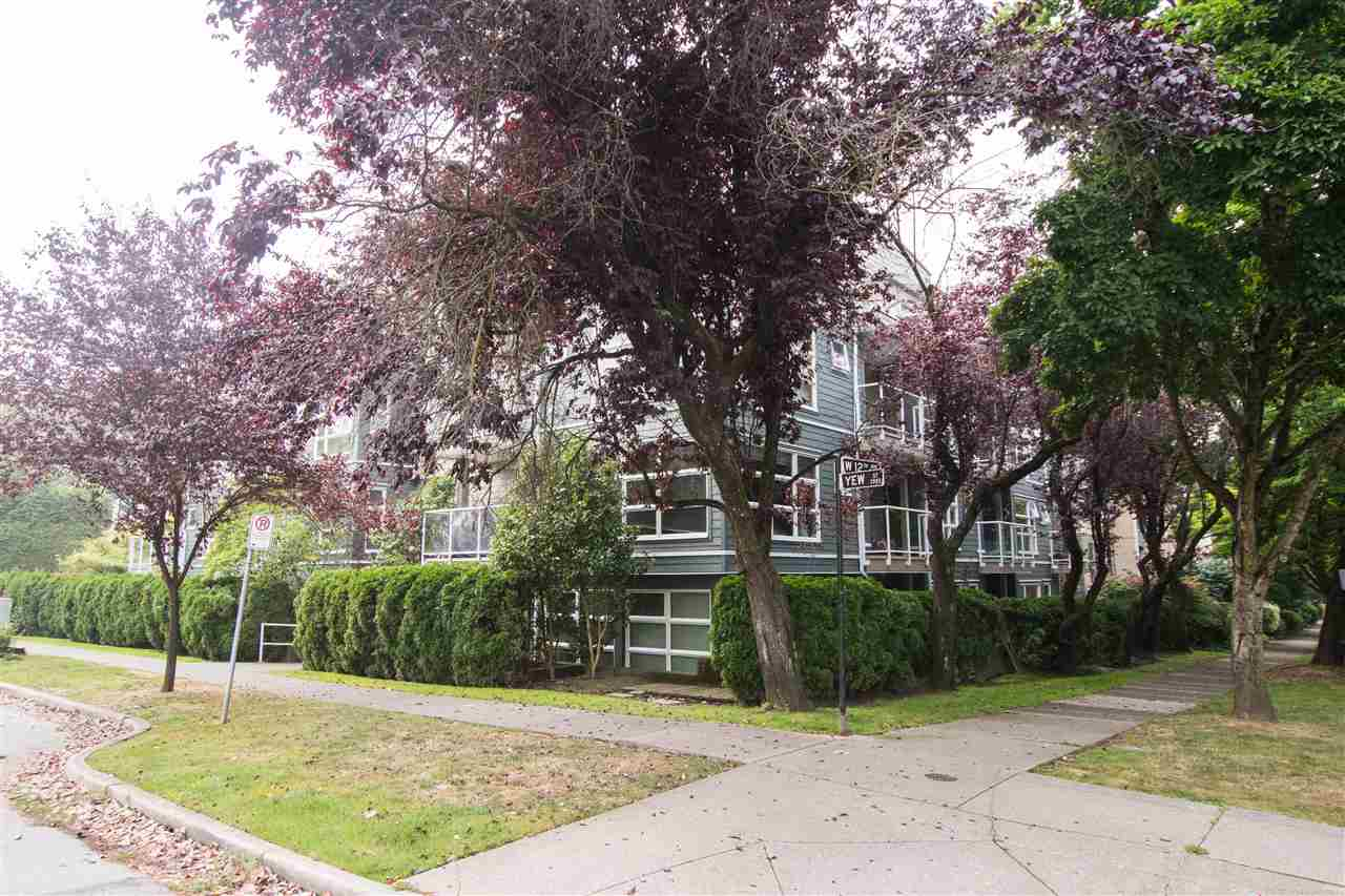 404 2815 YEW STREET - Kitsilano Apartment/Condo for sale, 2 Bedrooms (R2498828)