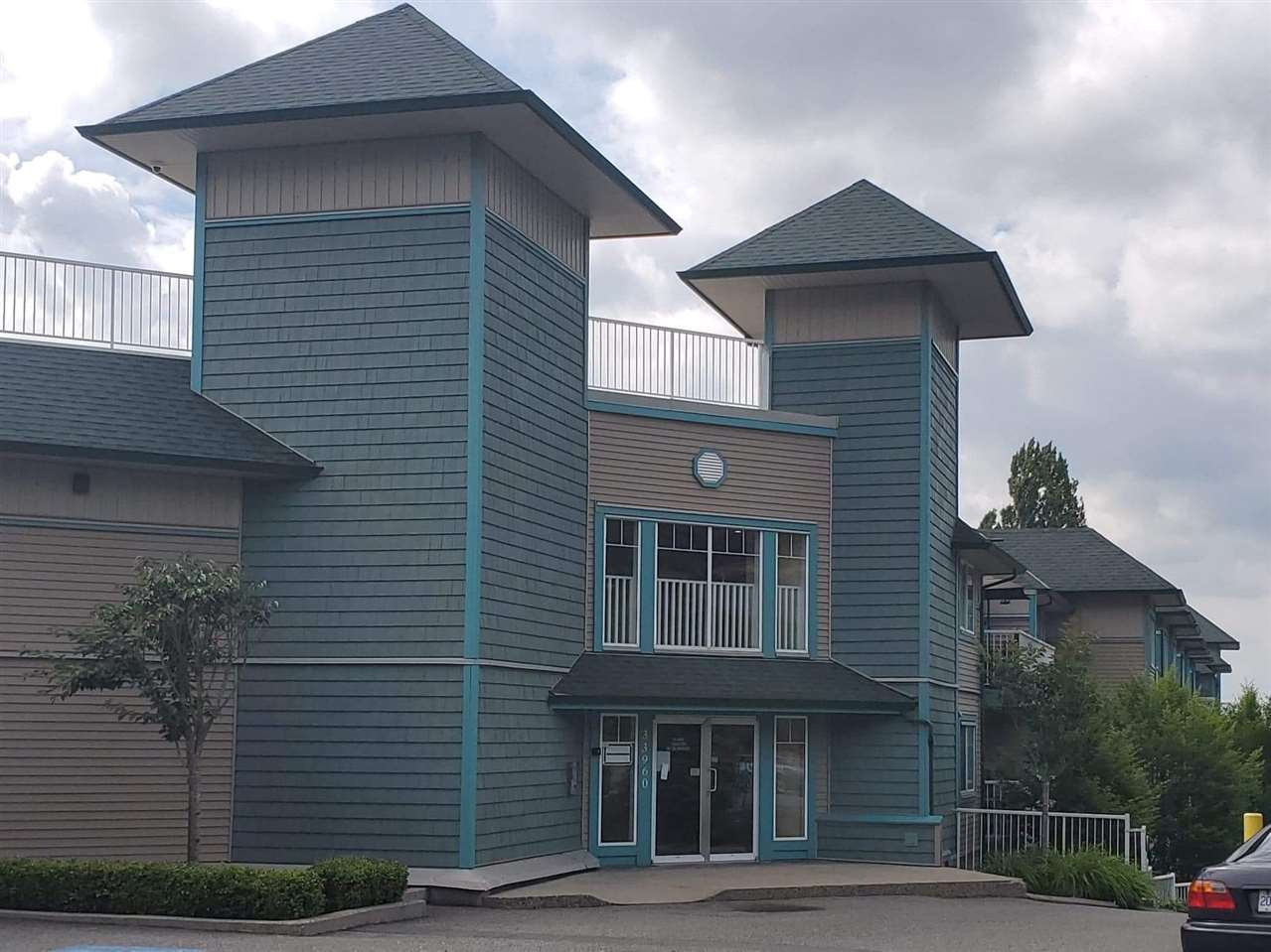407 33960 OLD YALE ROAD - Central Abbotsford Apartment/Condo for sale, 2 Bedrooms (R2499608) - #1
