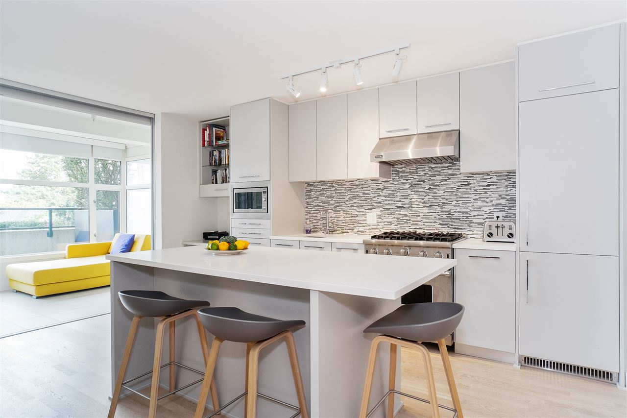 209 4355 W 10TH AVENUE - Point Grey Apartment/Condo for sale, 1 Bedroom (R2501757)