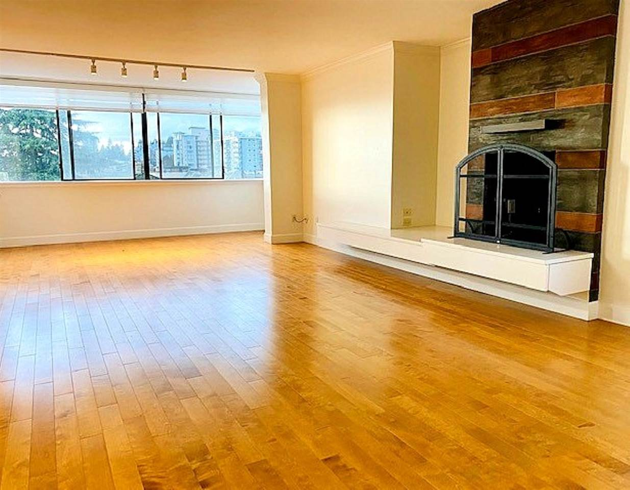 302 460 14TH STREET - Ambleside Apartment/Condo for sale, 2 Bedrooms (R2501787) - #2