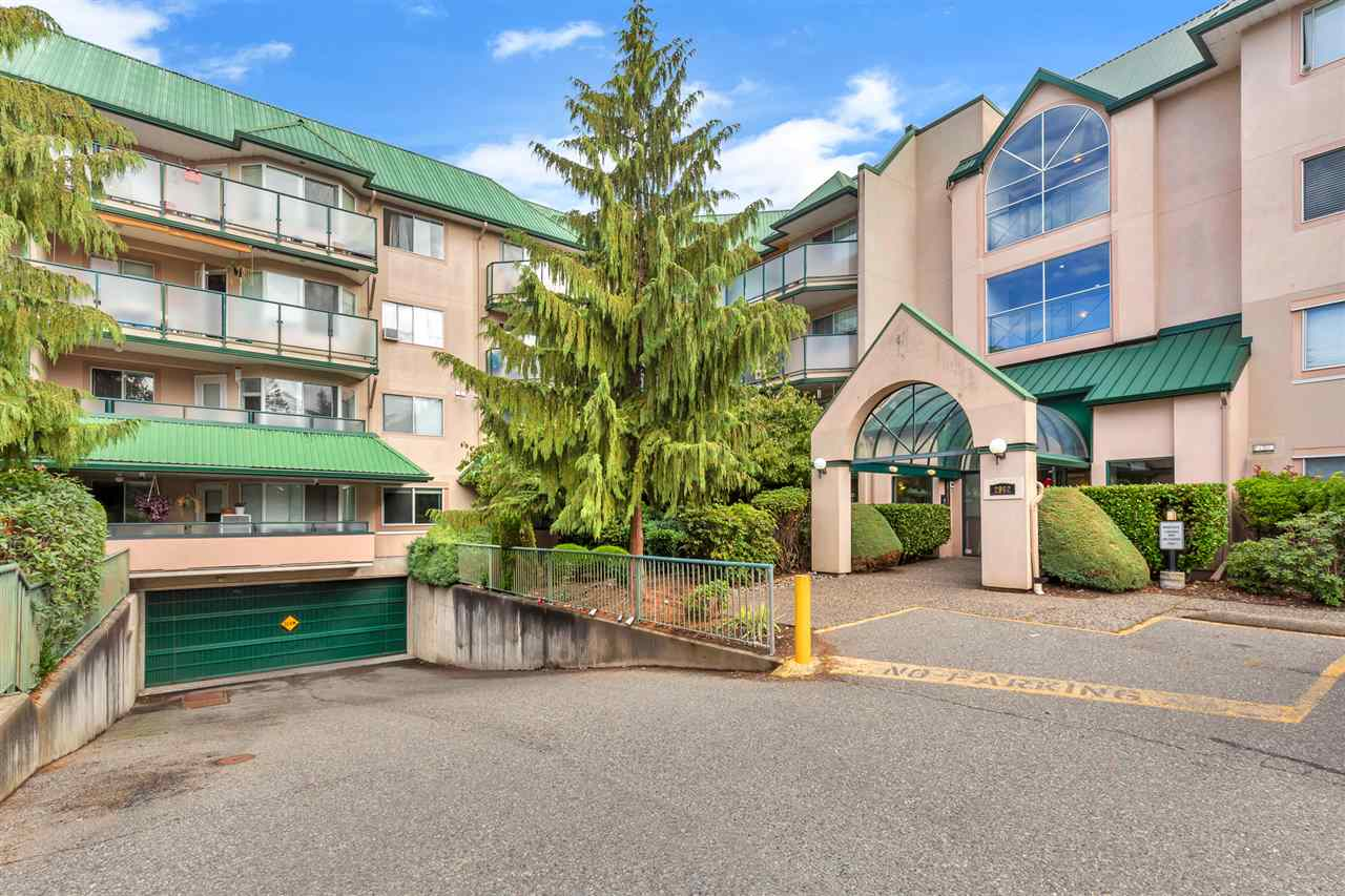 216 2962 TRETHEWEY STREET - Abbotsford West Apartment/Condo for sale, 2 Bedrooms (R2501974) - #1