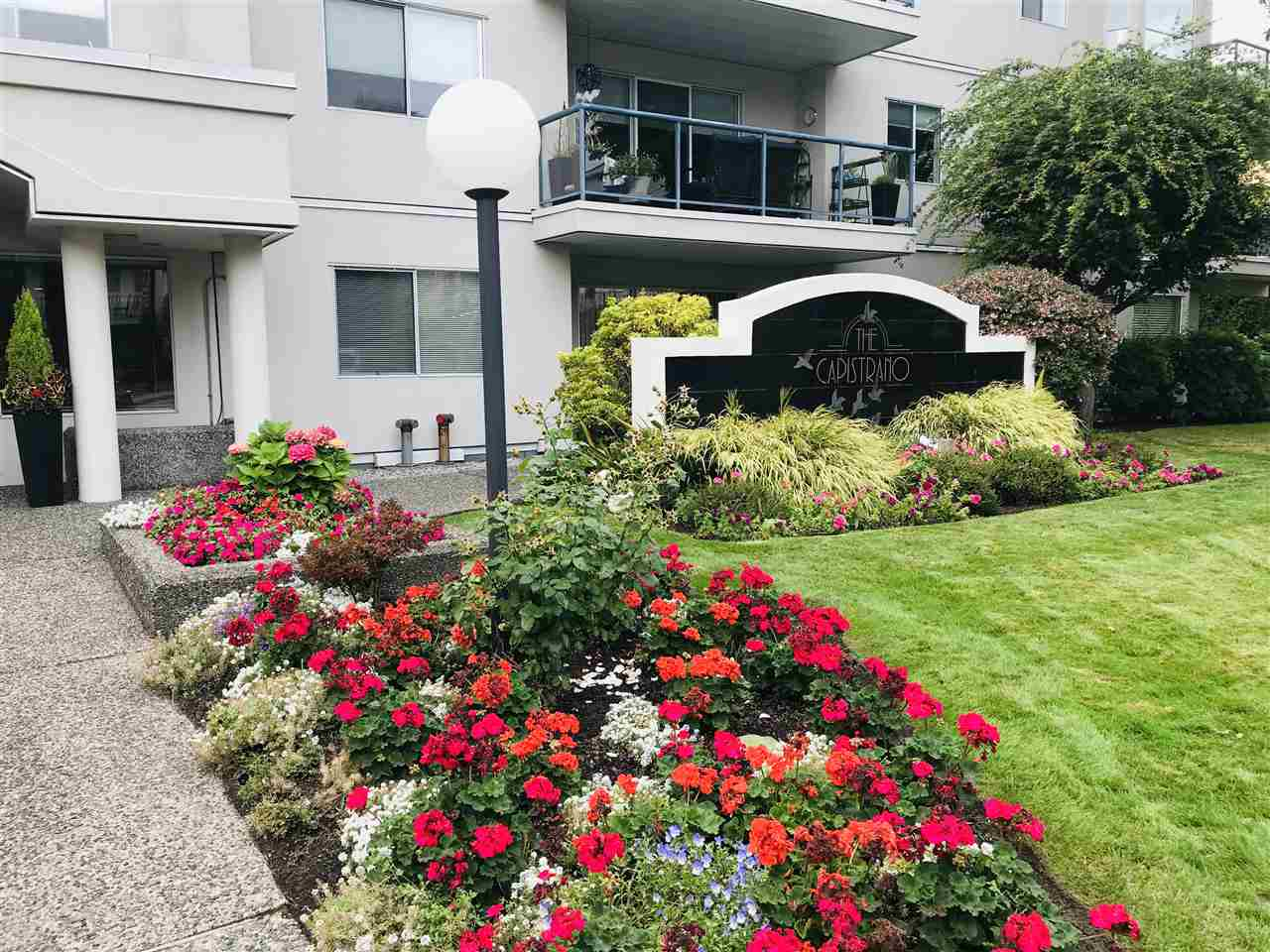 308 1441 BLACKWOOD STREET - White Rock Apartment/Condo for sale, 2 Bedrooms (R2502192)