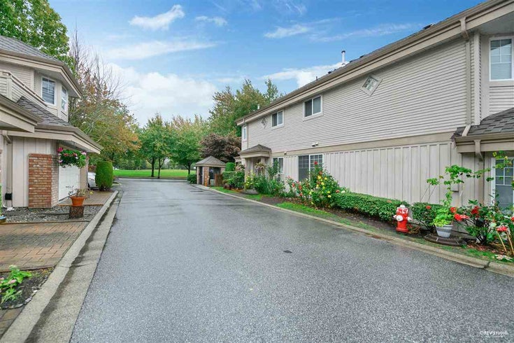 6 5700 DOVER CRESCENT - Riverdale RI Townhouse for sale, 3 Bedrooms (R2502298)