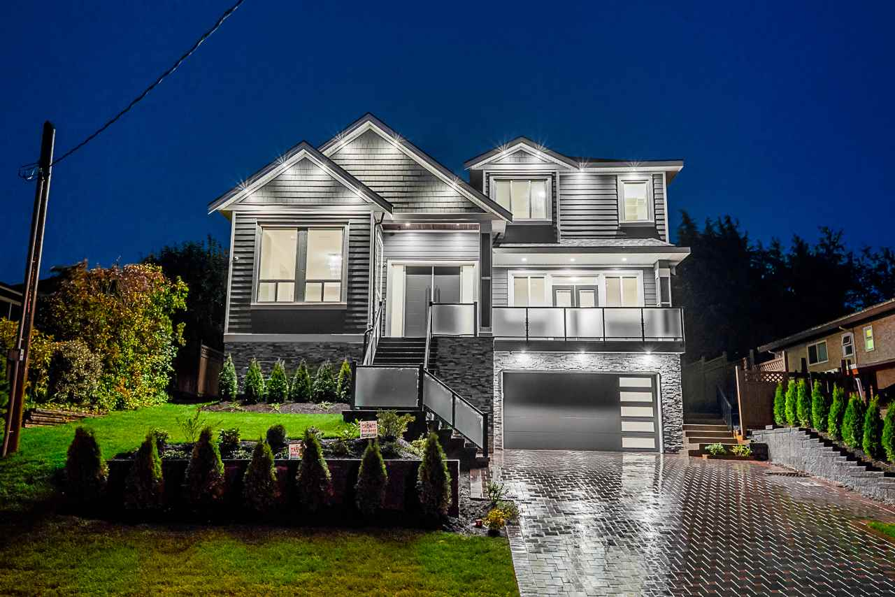 5940 181 STREET - Cloverdale BC House/Single Family for sale, 9 Bedrooms (R2502451)