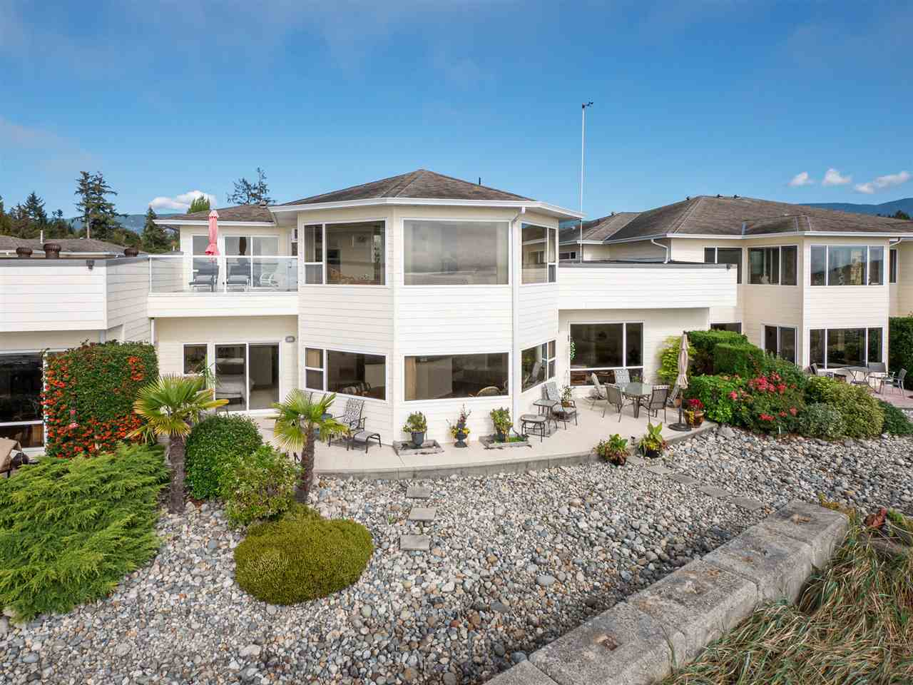 218 1585 FIELD ROAD - Sechelt District Townhouse for sale, 3 Bedrooms (R2502493)