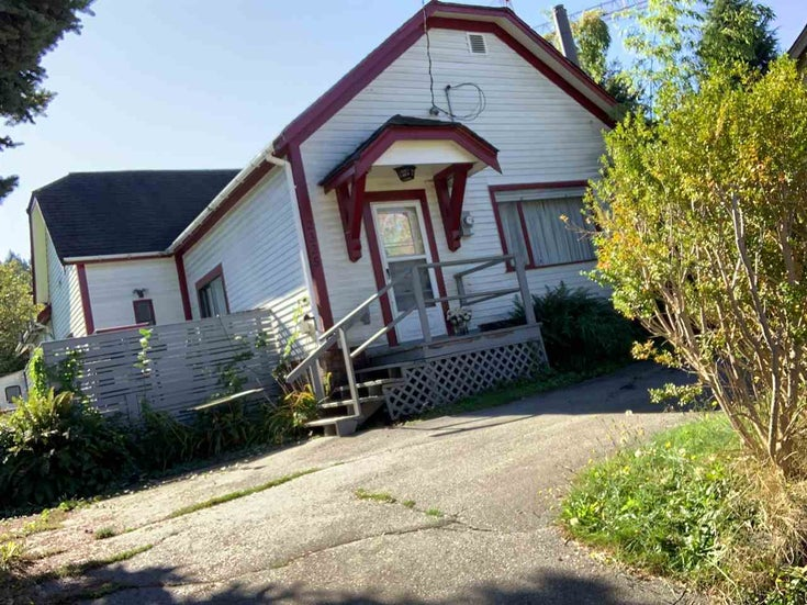 2325 CLARKE STREET - Port Moody Centre House with Acreage for sale, 3 Bedrooms (R2502576)