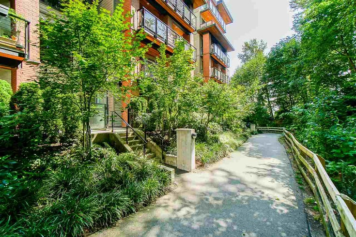 120 723 W 3RD STREET - Harbourside Apartment/Condo for sale, 3 Bedrooms (R2502672)