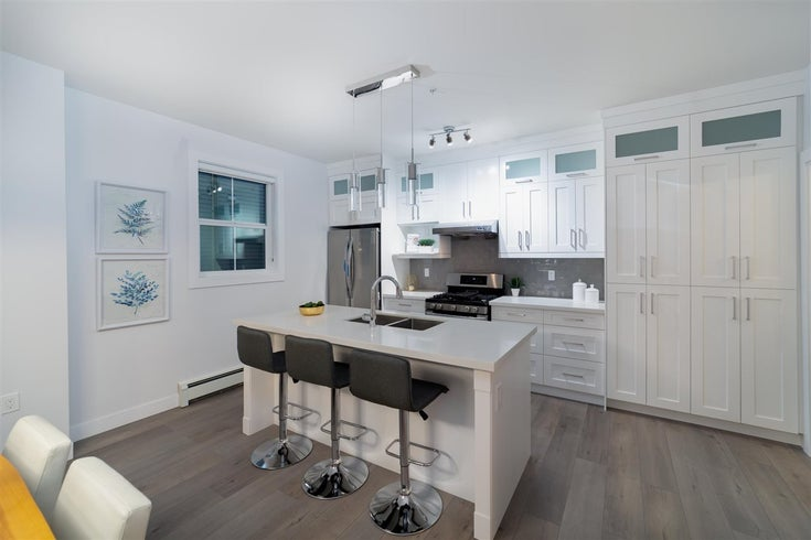 5 1023 THIRD AVENUE - Uptown NW 1/2 Duplex for sale, 4 Bedrooms (R2502706)