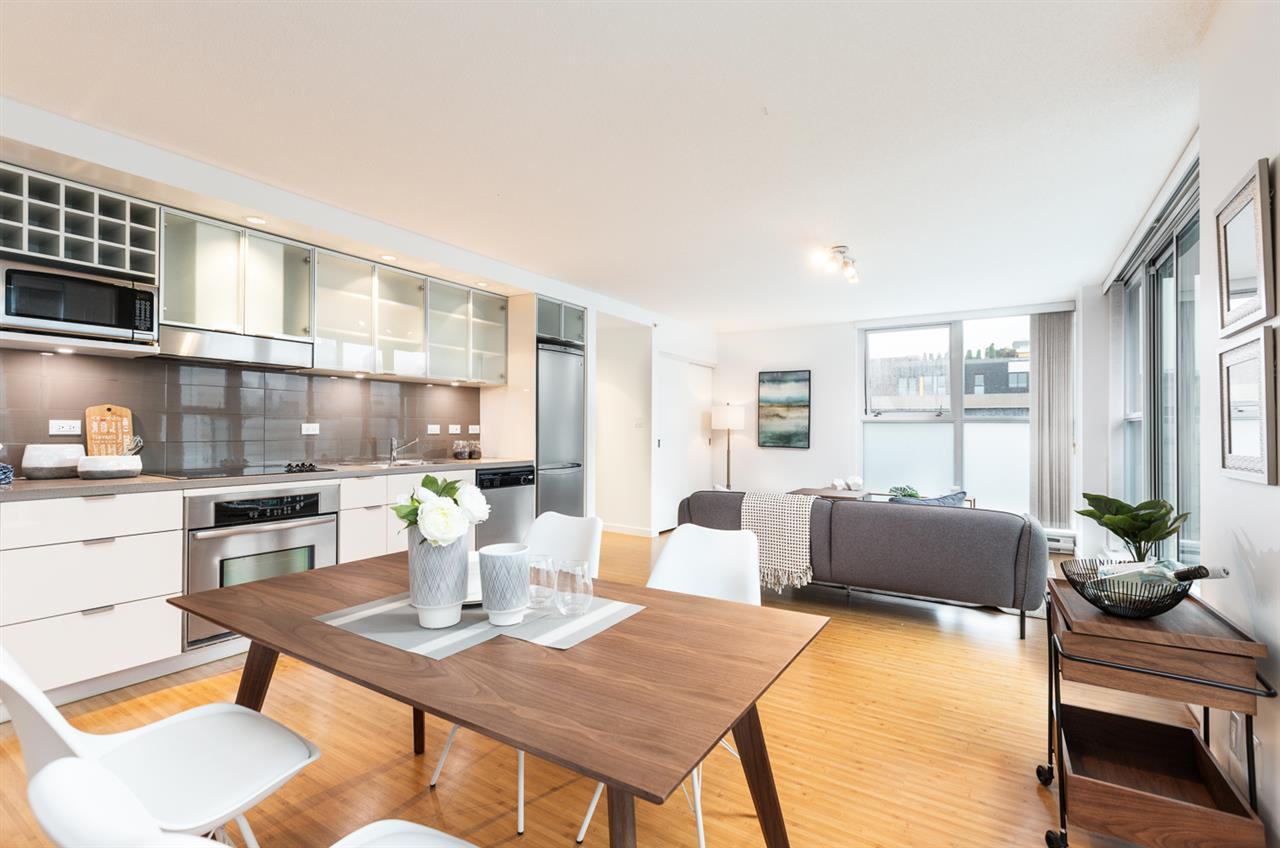 817 168 POWELL STREET - Downtown VE Apartment/Condo for sale, 1 Bedroom (R2502867)