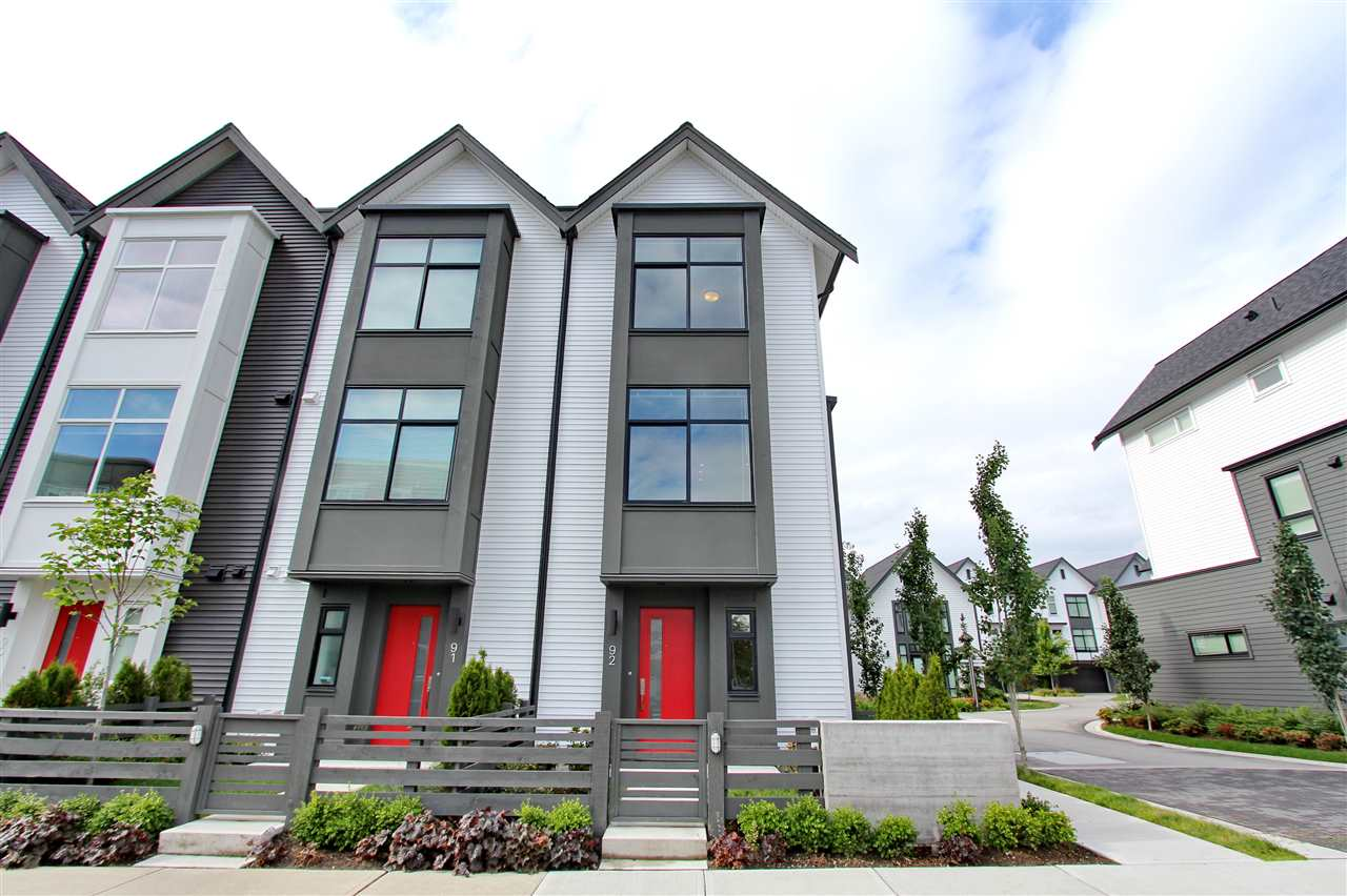 92 17555 57A AVENUE - Cloverdale BC Townhouse for sale, 3 Bedrooms (R2502992)