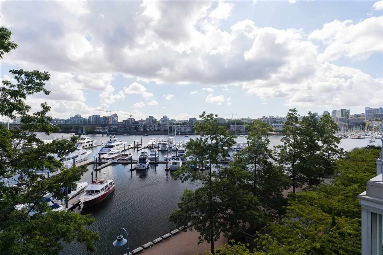 311 1228 MARINASIDE CRESCENT - Yaletown Apartment/Condo for sale, 3 Bedrooms (R2503448) - #1