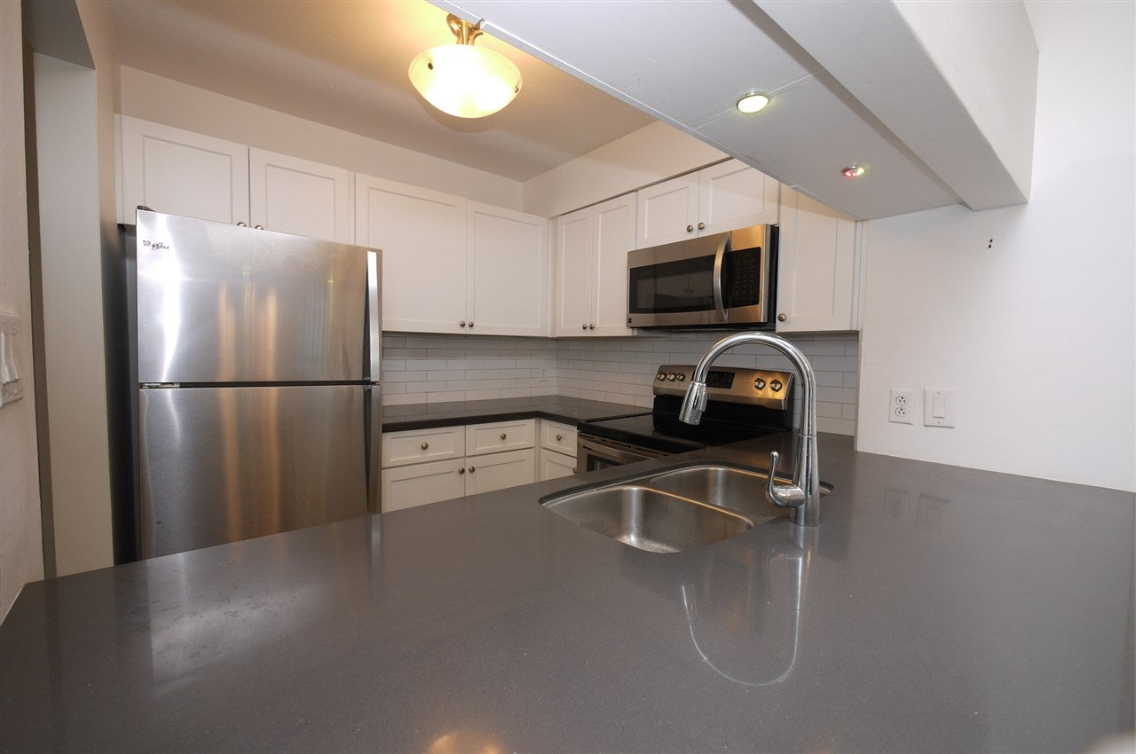 306 3191 MOUNTAIN HIGHWAY - Lynn Valley Apartment/Condo for sale, 2 Bedrooms (R2505342) - #3