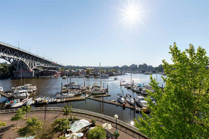 401 1600 HOWE STREET - Yaletown Apartment/Condo for sale, 2 Bedrooms (R2505652)