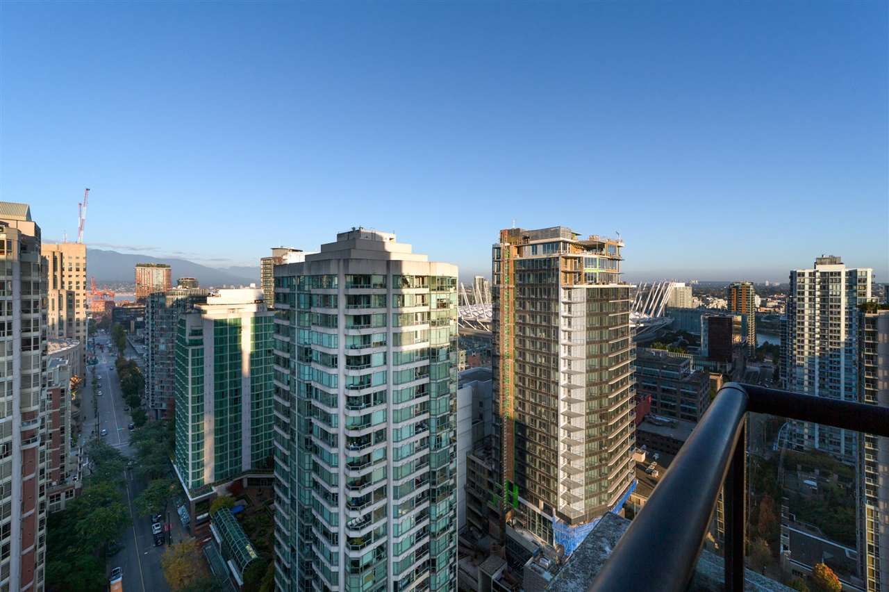 2802 909 MAINLAND STREET - Yaletown Apartment/Condo for sale, 2 Bedrooms (R2505728) - #1