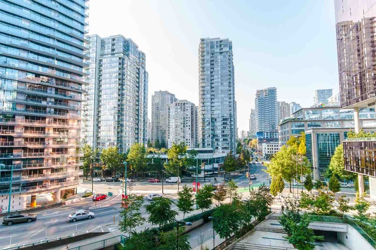 622 68 SMITHE STREET - Downtown VW Apartment/Condo for sale, 2 Bedrooms (R2506196)