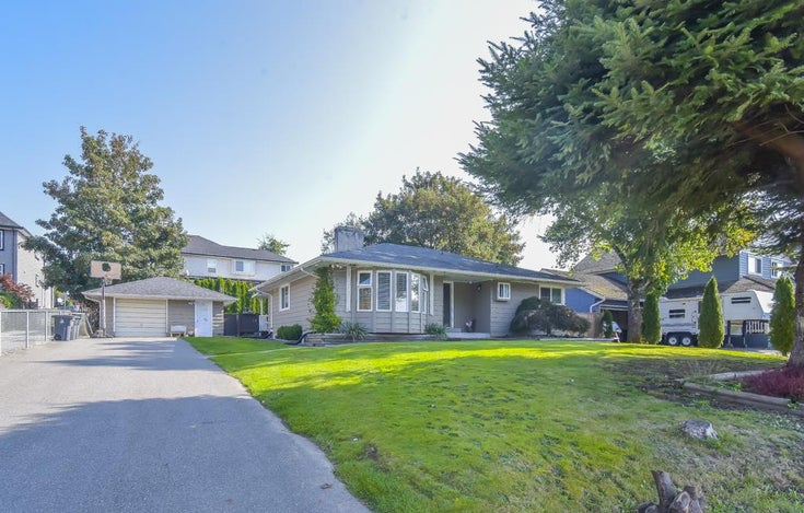 6052 181A STREET - Cloverdale BC House/Single Family for sale, 3 Bedrooms (R2506241)