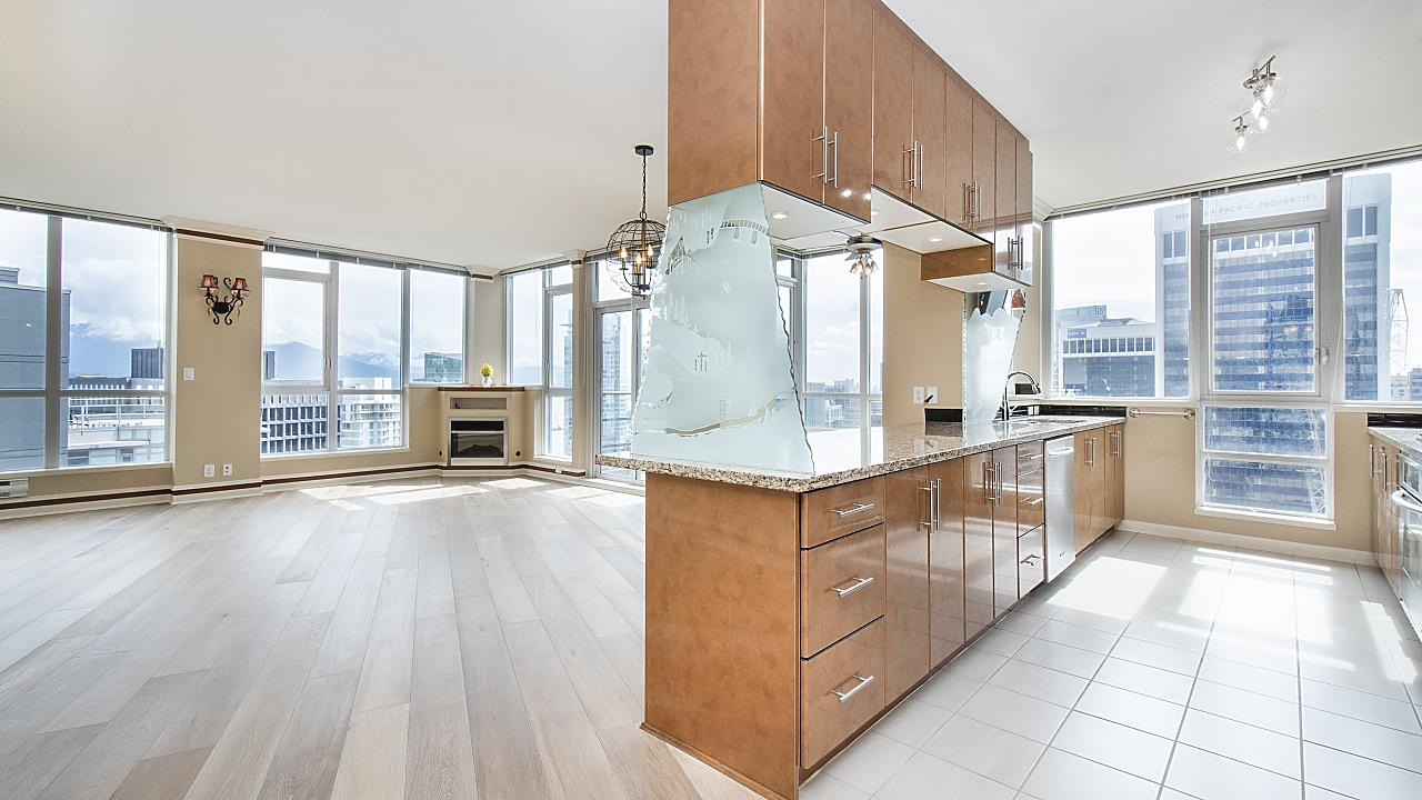 3403 1189 MELVILLE STREET - Coal Harbour Apartment/Condo for sale, 3 Bedrooms (R2507728) - #1