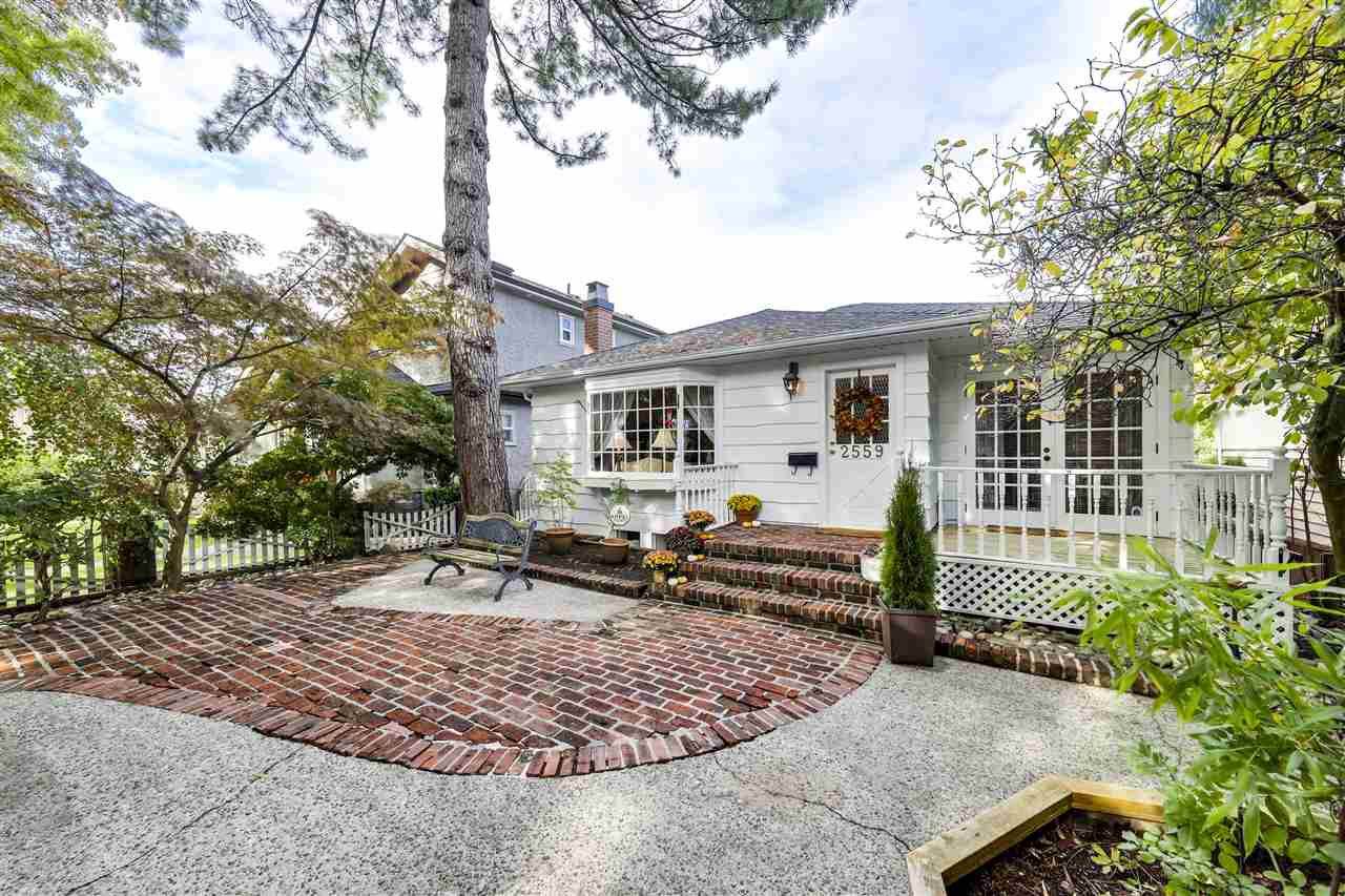2559 E 18TH AVENUE - Renfrew Heights House/Single Family for sale, 3 Bedrooms (R2508303) - #1