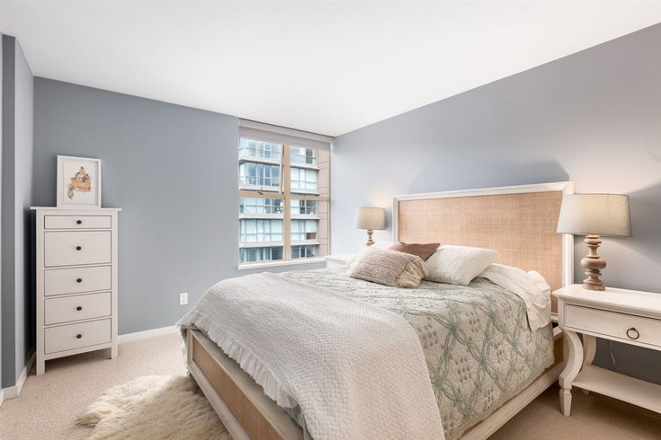 2402 969 RICHARDS STREET - Downtown VW Apartment/Condo for sale, 2 Bedrooms (R2508836)