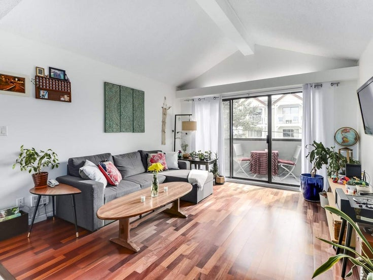 303 725 COMMERCIAL DRIVE - Hastings Apartment/Condo for sale, 2 Bedrooms (R2509088)