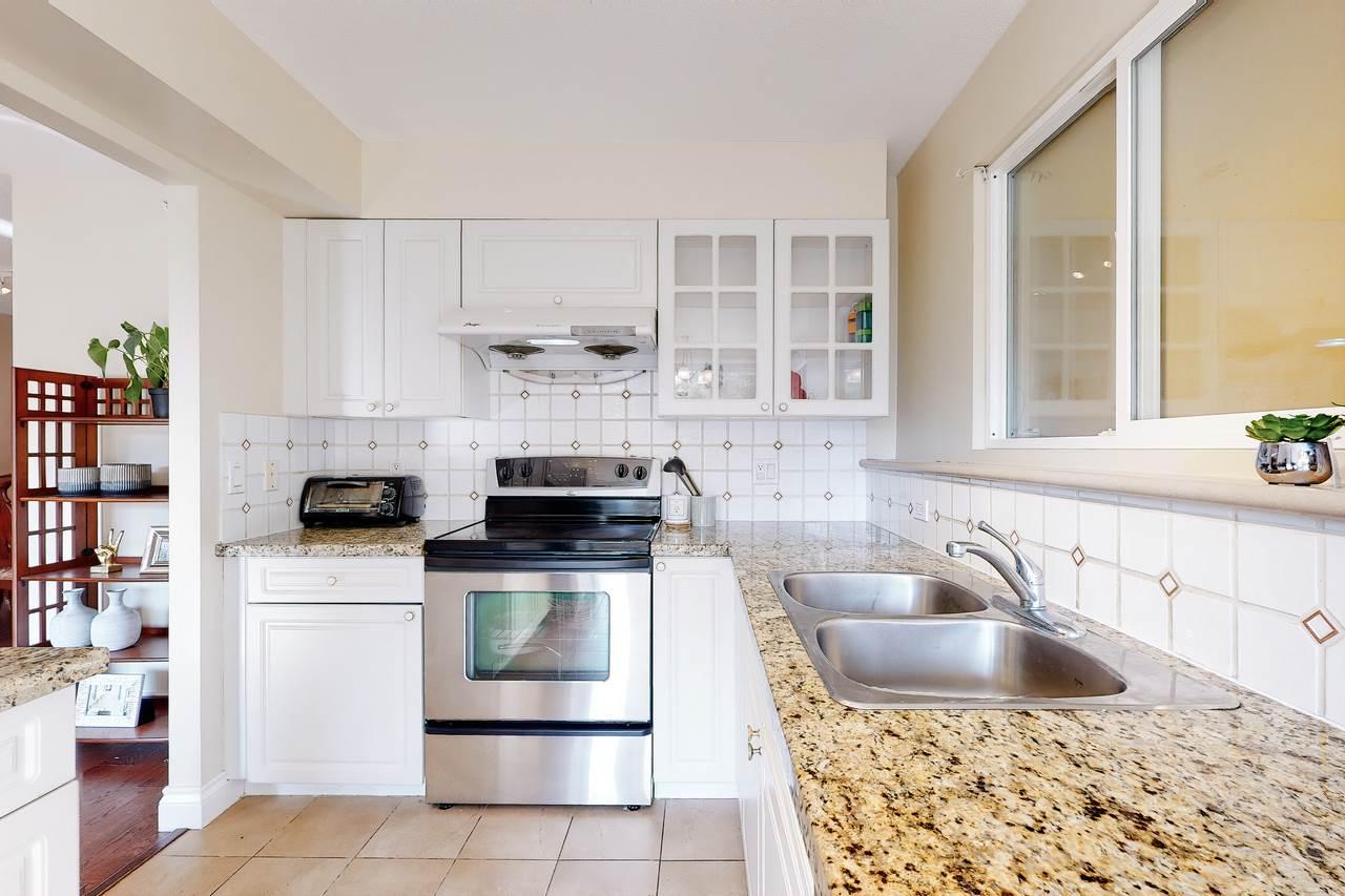 307 5615 HAMPTON PLACE - University VW Apartment/Condo for sale, 3 Bedrooms (R2509172) - #14
