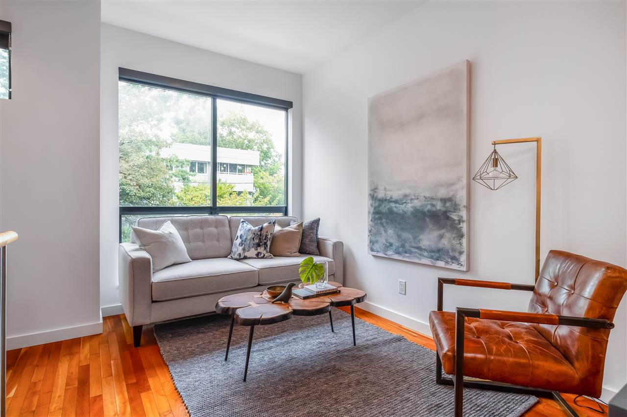686 W 16TH AVENUE - Cambie Townhouse for sale, 2 Bedrooms (R2509562)
