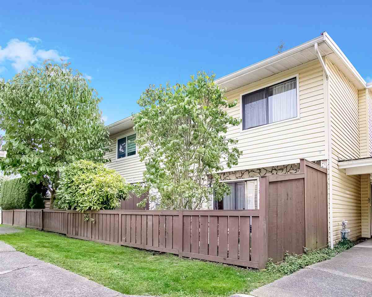 47 9378 122 STREET - Queen Mary Park Surrey Townhouse for sale, 2 Bedrooms (R2509631)