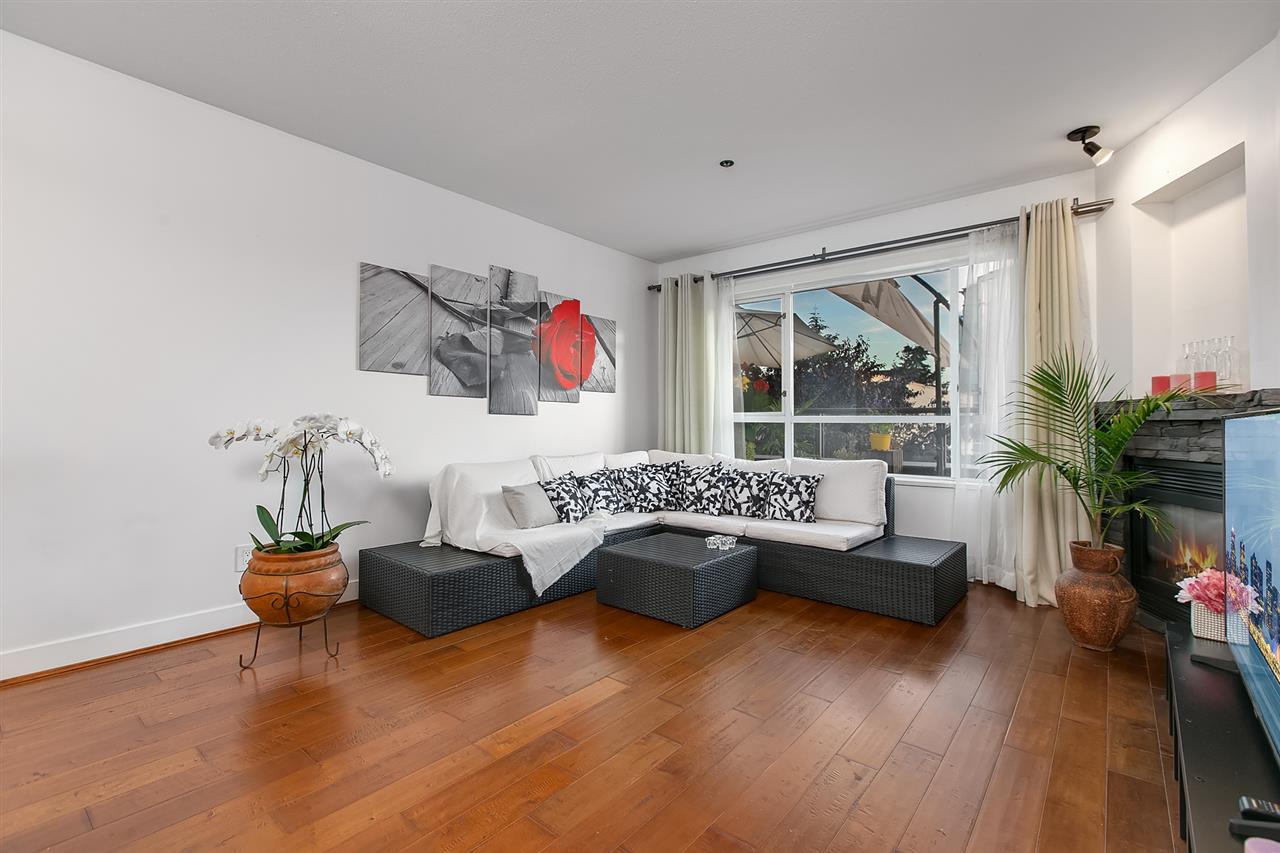 202 118 E 2ND STREET - Lower Lonsdale Apartment/Condo for sale, 2 Bedrooms (R2509675) - #2