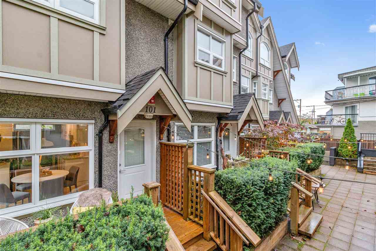 101 1672 E PENDER STREET - Hastings Townhouse for sale, 3 Bedrooms (R2510224)