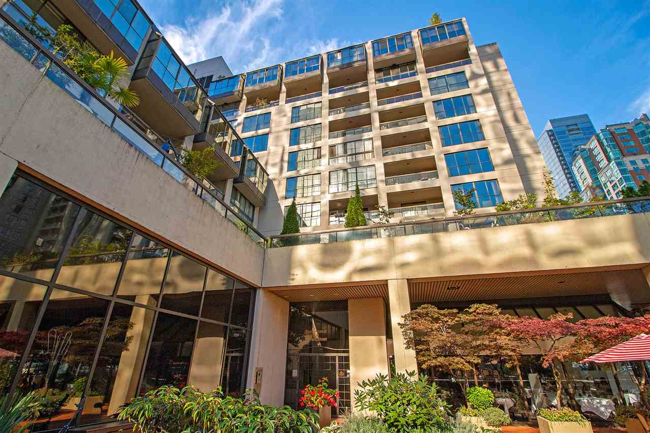702 850 BURRARD STREET - Downtown VW Apartment/Condo for sale, 1 Bedroom (R2510473) - #1