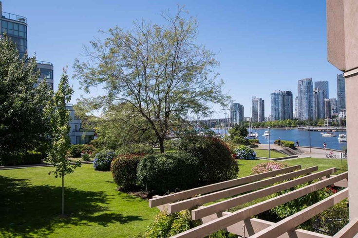 213 525 WHEELHOUSE SQUARE - False Creek Apartment/Condo for sale, 1 Bedroom (R2510479)