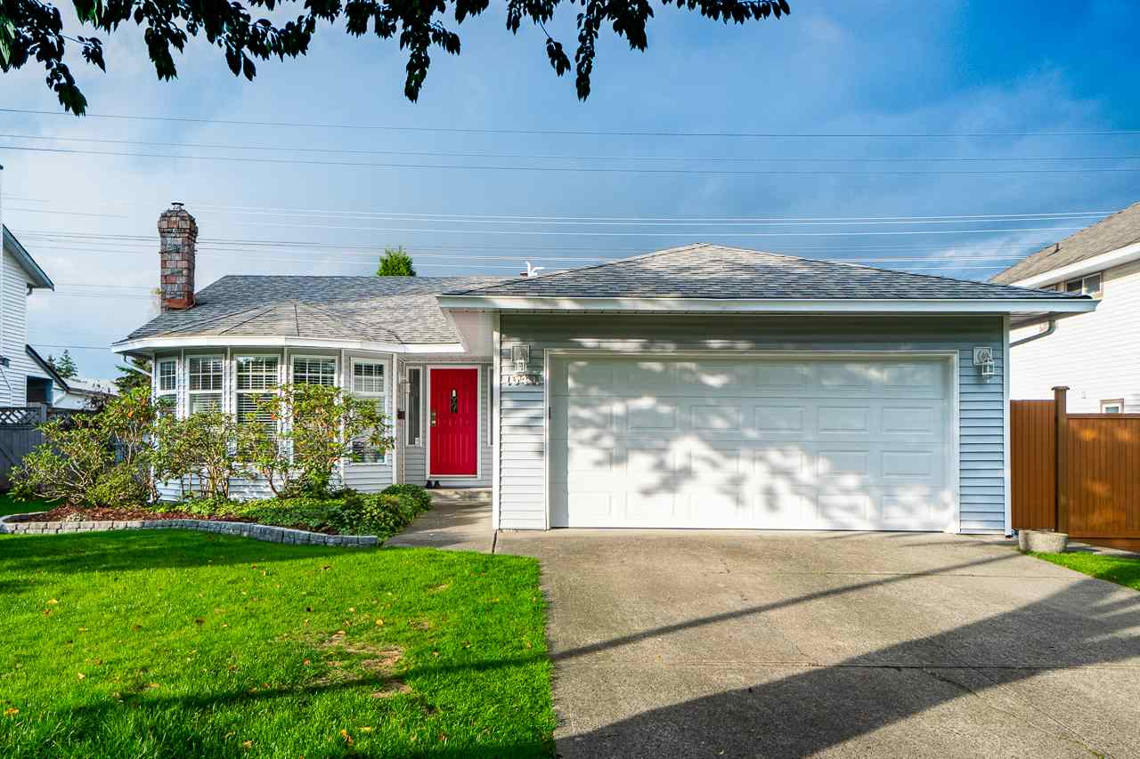 15411 95 AVENUE - Fleetwood Tynehead House/Single Family for sale, 3 Bedrooms (R2510748)