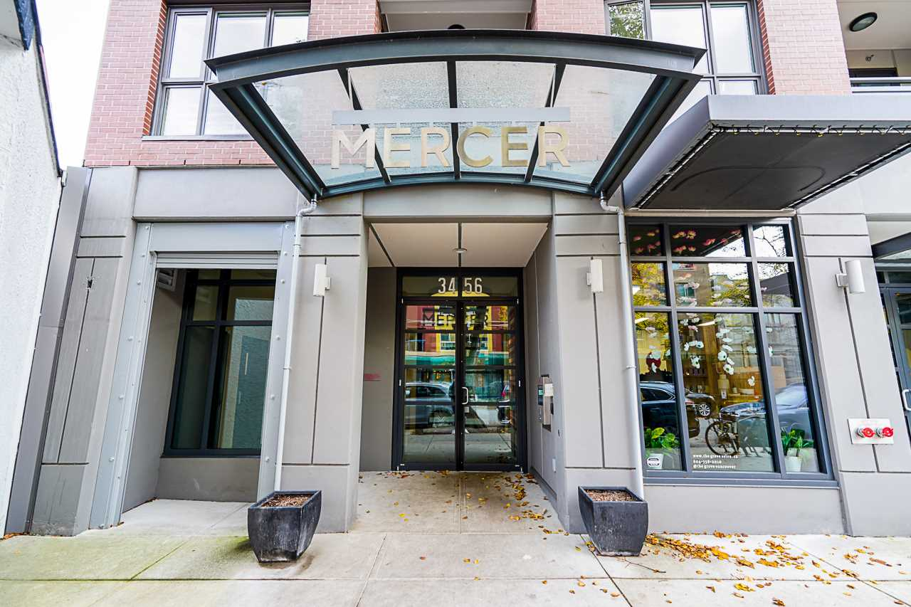 203 3456 COMMERCIAL STREET - Victoria VE Apartment/Condo for sale, 1 Bedroom (R2510931)