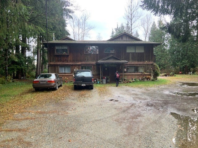 9086 EMIRY STREET - Mission BC House with Acreage for sale, 4 Bedrooms (R2511488)