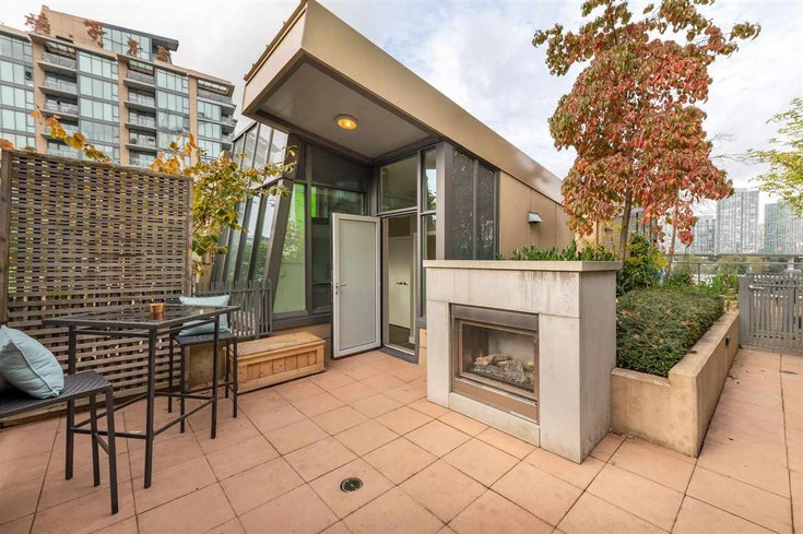 315 288 W 1ST AVENUE - False Creek Apartment/Condo for sale, 2 Bedrooms (R2511777)