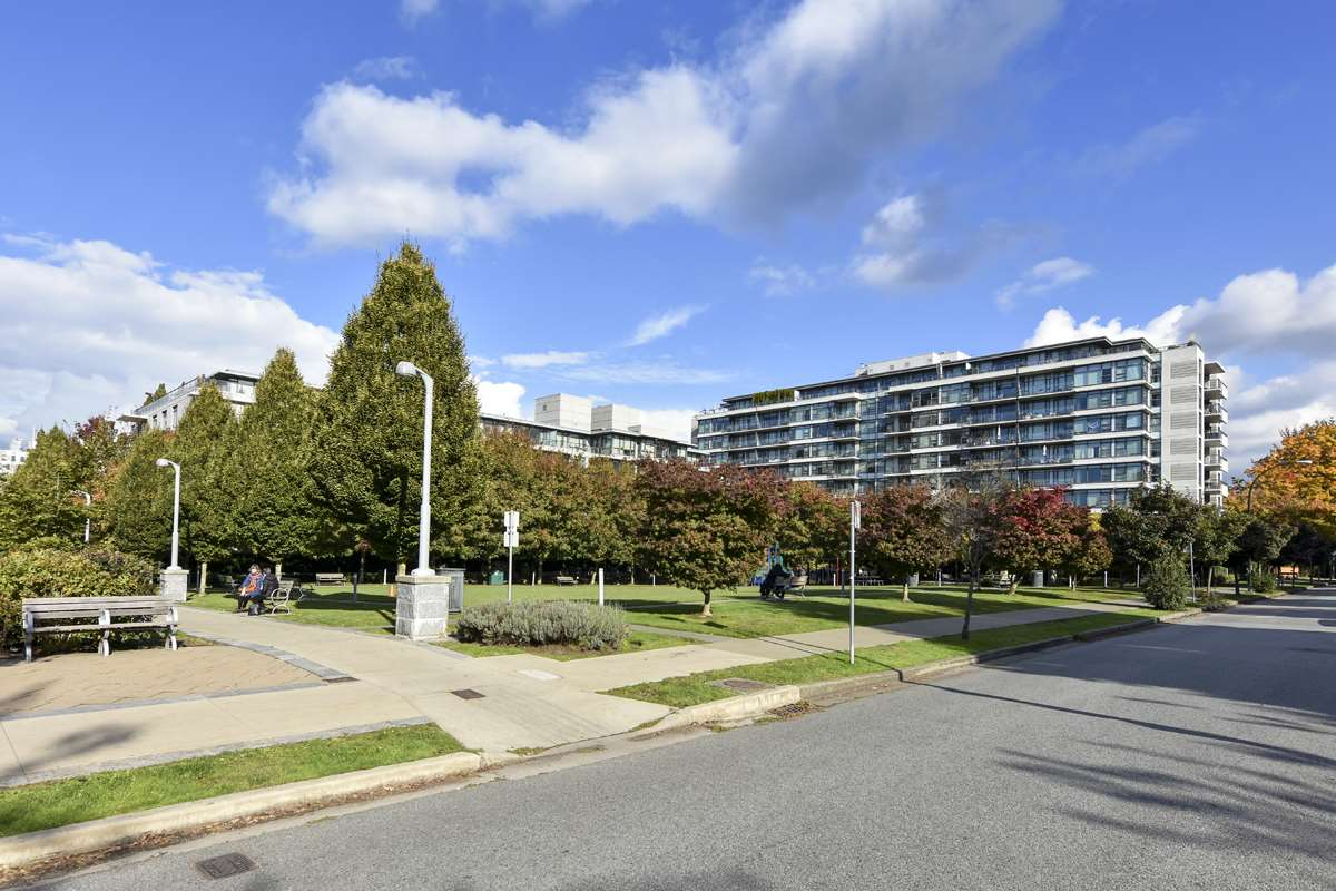 404 2851 HEATHER STREET - Fairview VW Apartment/Condo for sale, 3 Bedrooms (R2512313) - #39
