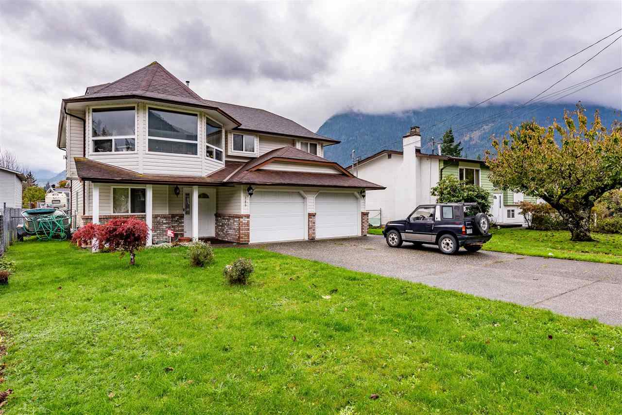 265 CARIBOO AVENUE - Hope Center House/Single Family for sale, 4 Bedrooms (R2512481) - #1